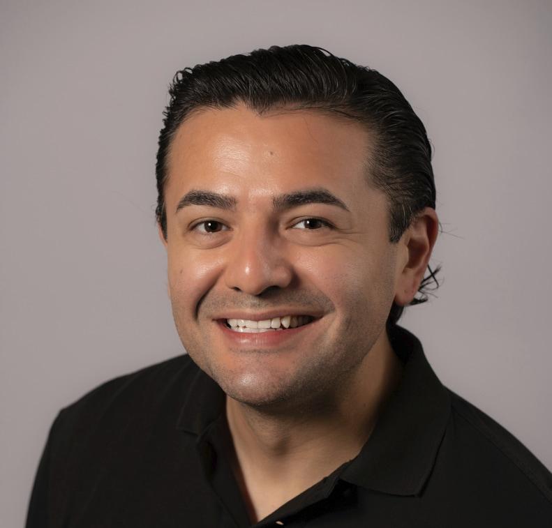 Hugo Arenas, senior treasury analyst and lead for ¡Juntos!